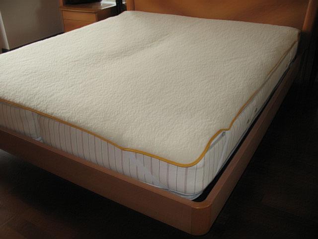 Coprimaterasso cama individual funda de colch n de lana for Colchon para cama individual